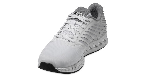 asics fuzeX Shoe Women white/silver/black
